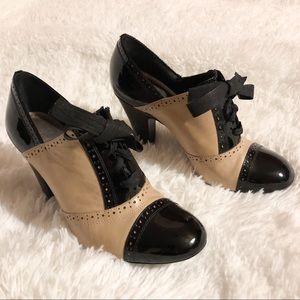 Gianni Bini Retro Heels Black and Tan